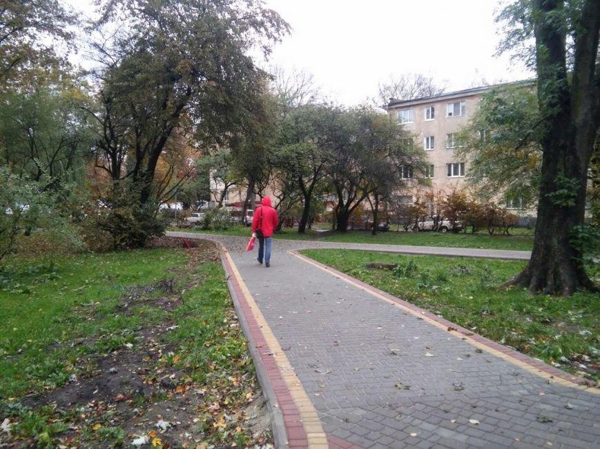 У Львові завершують облаштовувати громадські простори на вулиці Ряшівській (ФОТО), фото-9