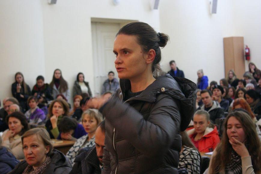 """Оксана Забужко в Запорожье презентовала свою новую книгу """"І знов я влізаю в танк"""", - ФОТОРЕПОРТАЖ, фото-13"""