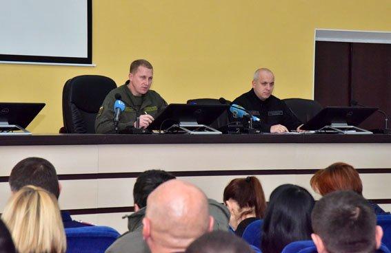 Бывшие инспекторы ГАИ Донецкой области пройдут проверку на служебное соответствие, фото-5