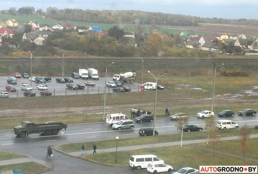 В Гродно Форд вылетел с дороги и перевернулся после неудачного перестроения, фото-7