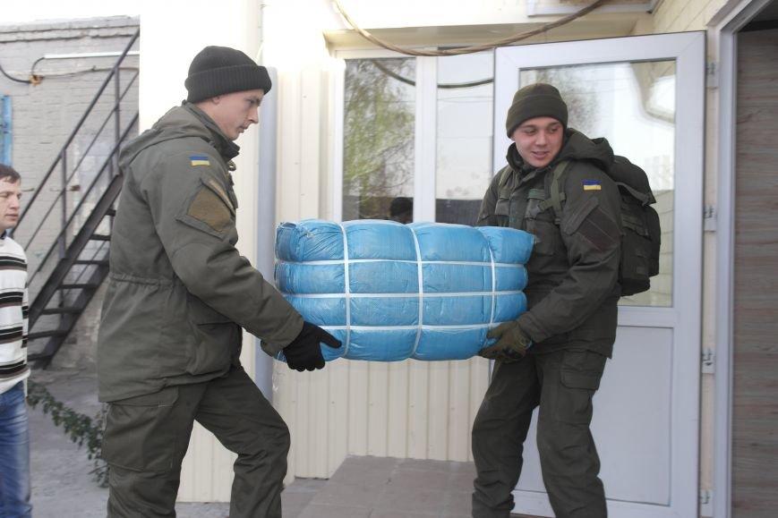 От сильных слабым: в Покровске воспитанники «Отчего дома» принимали подарки от военных, фото-2