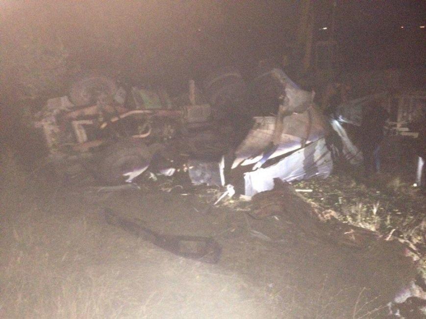 Под Симферополем перевернулся КамАЗ с прицепом: водитель в больнице в состоянии комы (ФОТО), фото-4
