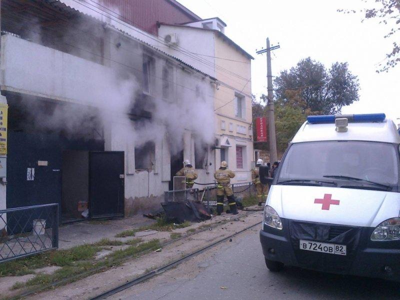 В Евпатории произошел взрыв и пожар в частном доме: С ожогами госпитализировали пенсионерку (ФОТО), фото-2