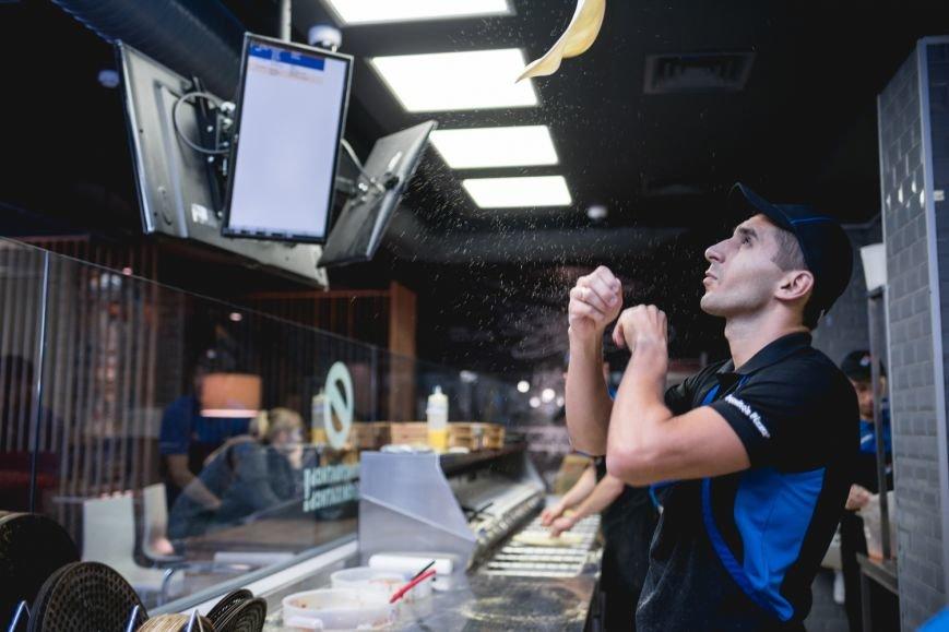 Domino's Pizza теперь доставляет по всему Киеву, фото-3