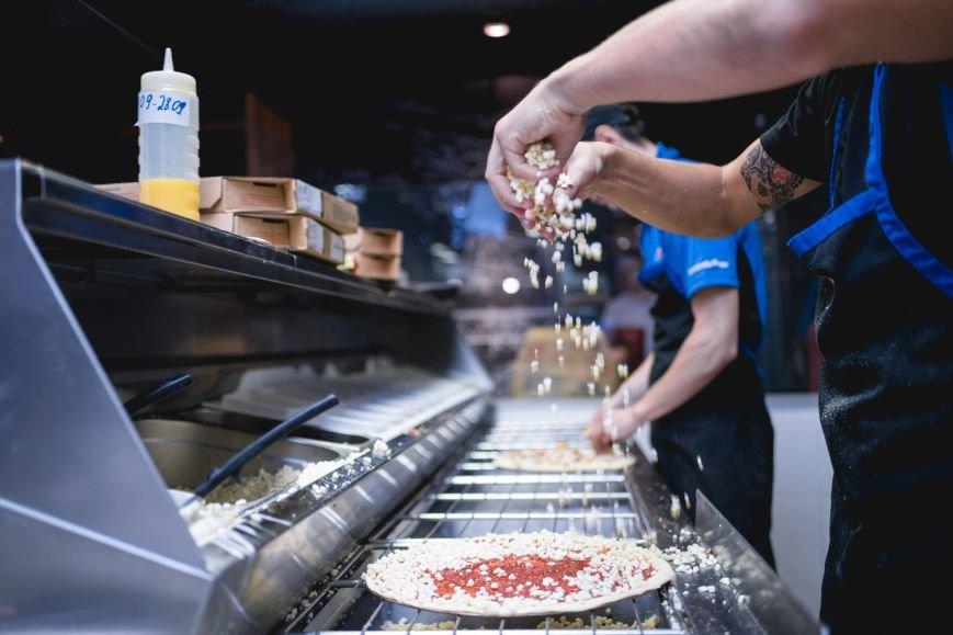 Domino's Pizza теперь доставляет по всему Киеву, фото-4