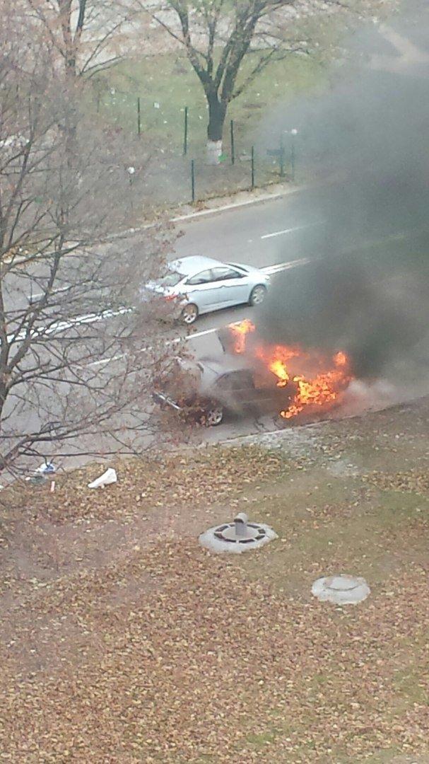В Харькове во время движения загорелся автомобиль (ФОТО), фото-1