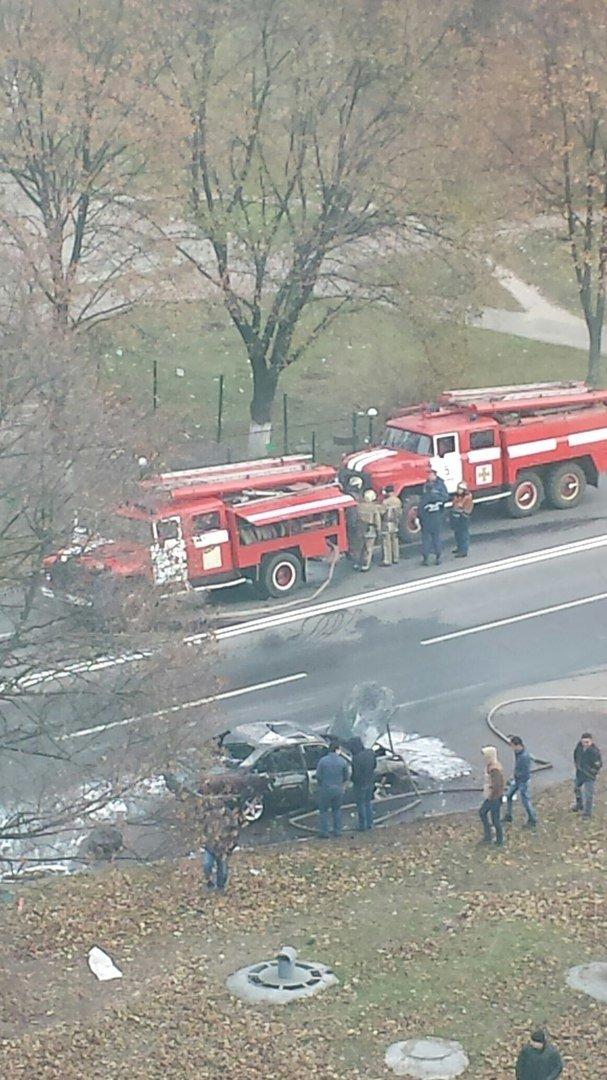В Харькове во время движения загорелся автомобиль (ФОТО), фото-3