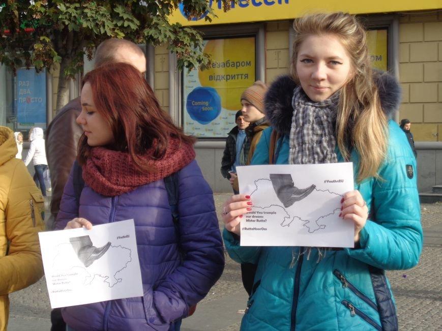 Днепровская молодежь провела акцию в поддержку ассоциации Украины с ЕС (ФОТО, ВИДЕО), фото-11