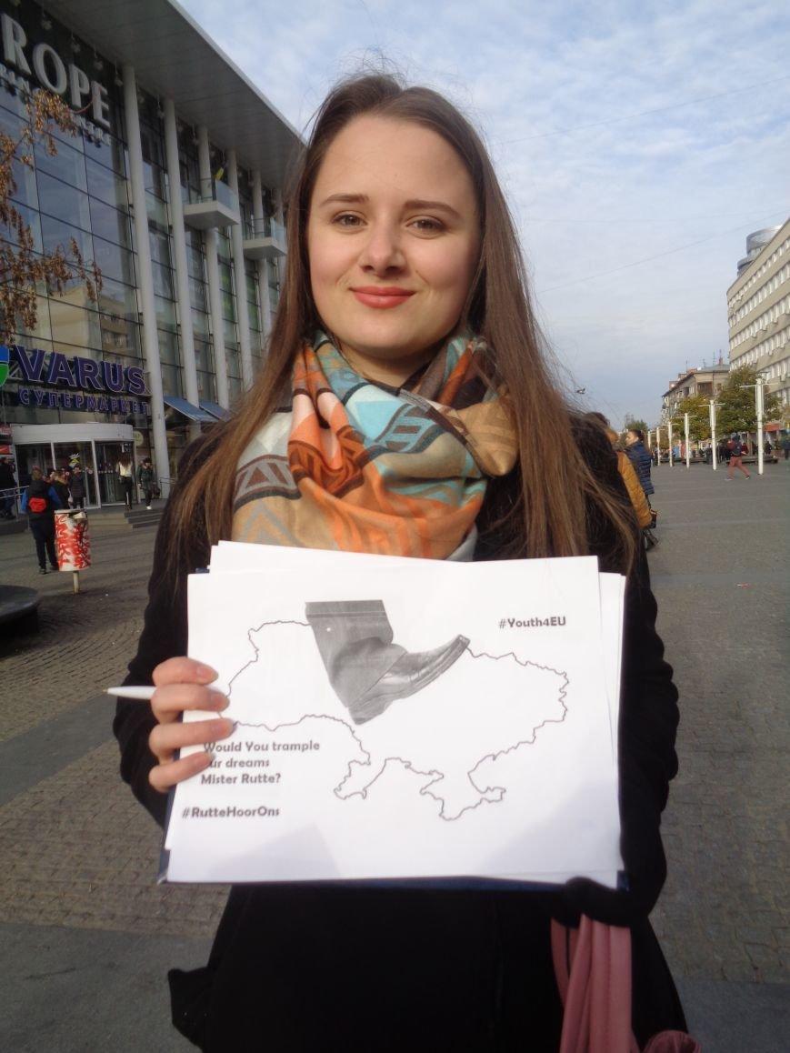 Днепровская молодежь провела акцию в поддержку ассоциации Украины с ЕС (ФОТО, ВИДЕО), фото-8