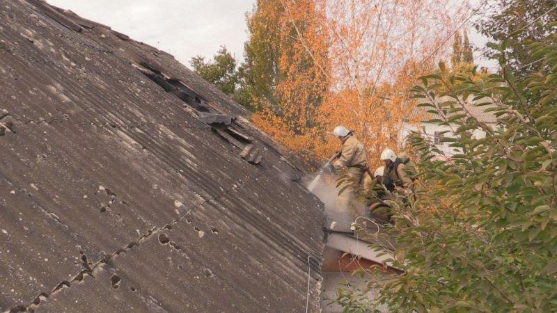 В Симферополе едва не сгорел жилой дом: На месте происшествия работали 29 пожарных (ФОТО, ВИДЕО), фото-3