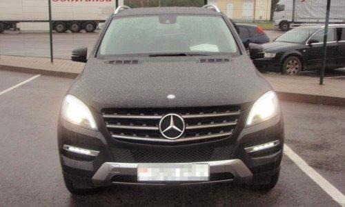 При въезде в страну у белоруса конфисковали Mercedes-Benz ML350: оказалось, месяц назад машину поставили в Германии на учет как краденую, фото-2