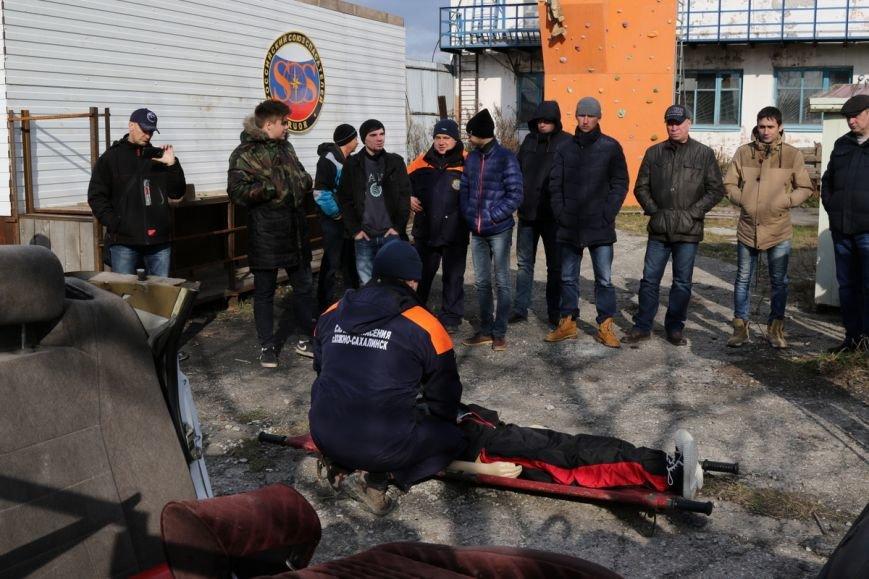 Южносахалинцам рассказали, как правильно помочь пострадавшим при ДТП, фото-2
