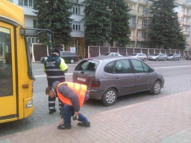 Авария в Гродно: троллейбус не успел затормозить на светофоре и врезался в Рено, фото-4
