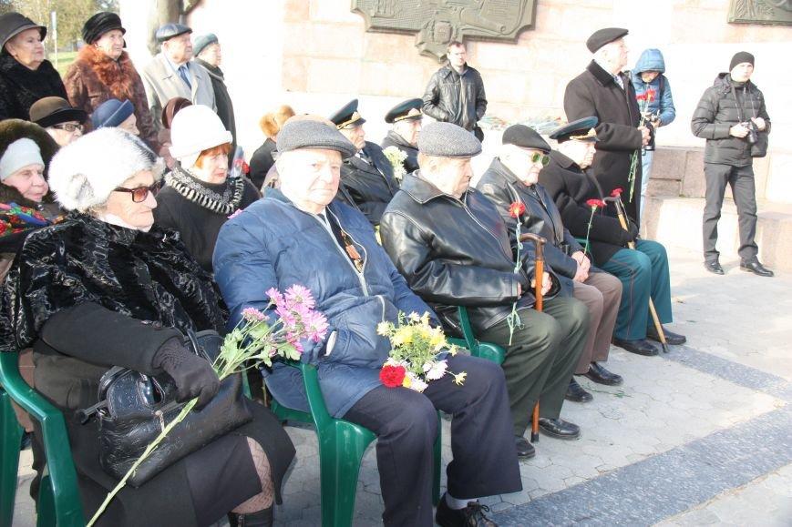 В Херсоне отметили 72 годовщину со Дня освобождения Украины от фашистских захватчиков, фото-1