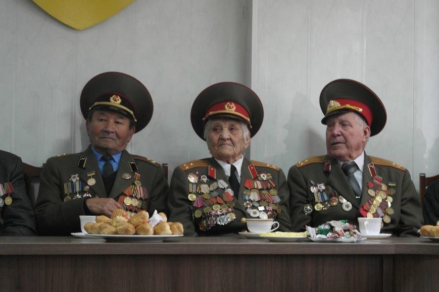 Ветераны Покровска собрались за праздничным чаепитием, фото-4