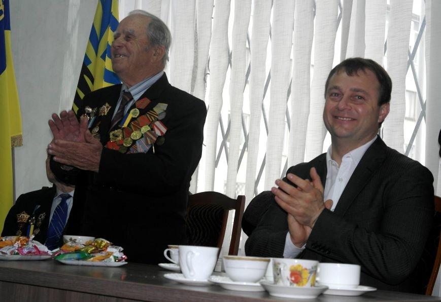 Ветераны Покровска собрались за праздничным чаепитием, фото-12