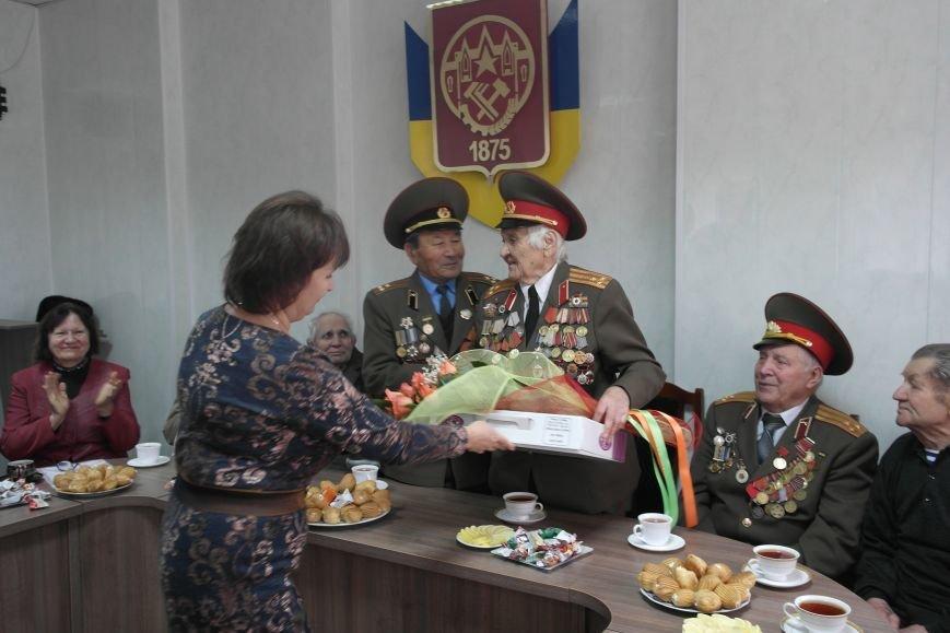 Ветераны Покровска собрались за праздничным чаепитием, фото-7