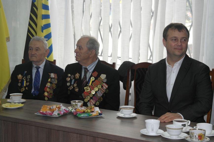 Ветераны Покровска собрались за праздничным чаепитием, фото-5