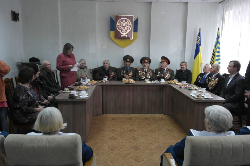Ветераны Покровска собрались за праздничным чаепитием, фото-2