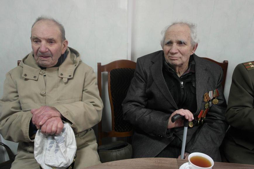 Ветераны Покровска собрались за праздничным чаепитием, фото-3