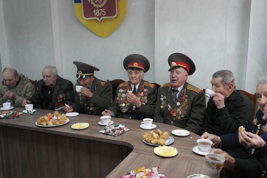 Ветераны Покровска собрались за праздничным чаепитием, фото-11
