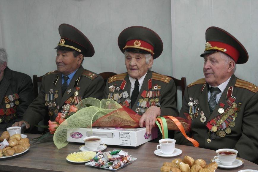 Ветераны Покровска собрались за праздничным чаепитием, фото-8