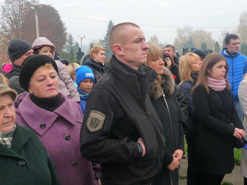 В обласному центрі відкрили пам'ятник загиблому бійцю АТО (ФОТО), фото-1