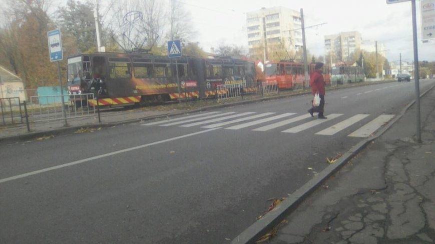 Внаслідок ДТП на вулиці Княгині Ольги зупинились трамваї (ФОТО), фото-4