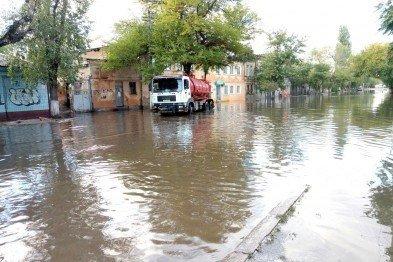Курьезы недели: Триллионеры из Рады, как «ведро» затопило Одессу, молитва за Вилкула, фото-1