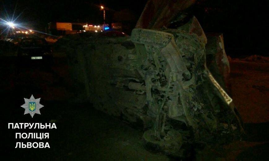 П'яний водій легковика втікаючи від патрульних в'їхав у насип піску та перевернувся (ФОТО), фото-5