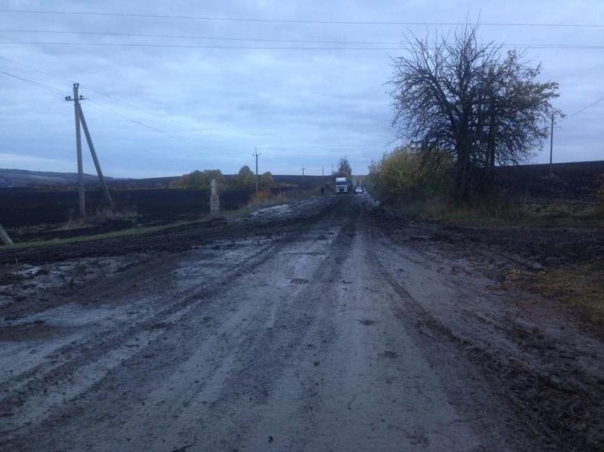 Від великих вантажівок тернопільські дороги стали просто непроїзними (фото), фото-2