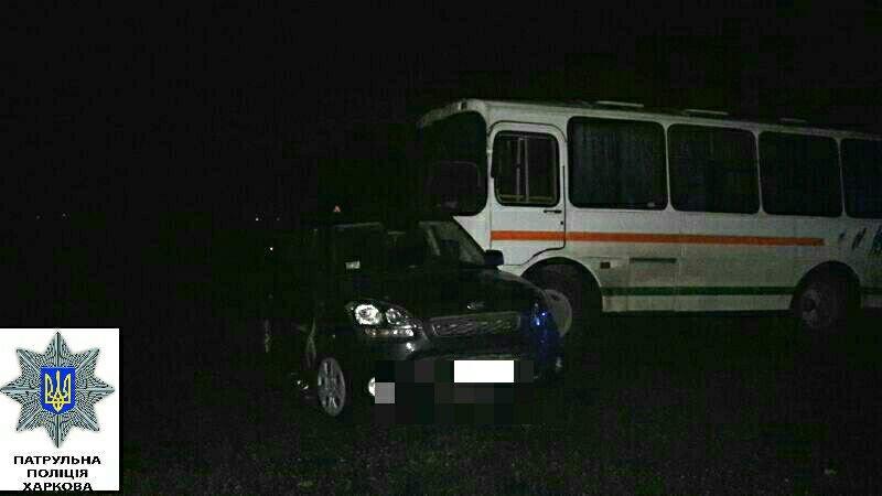 На окружной столкнулись два автомобиля и автобус (ФОТО), фото-1