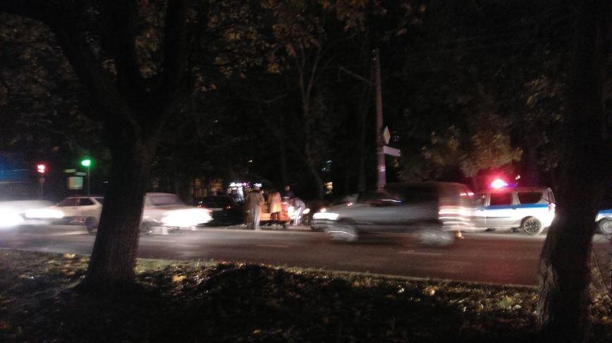Аварийные выходные в Симферополе: На Севастопольской столкнулось 6 машин, а на М.Жукова маршрутка врезалась в автобус (ФОТО), фото-2