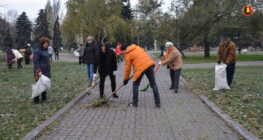 В Енакиево прошел общегородской субботник, фото-1