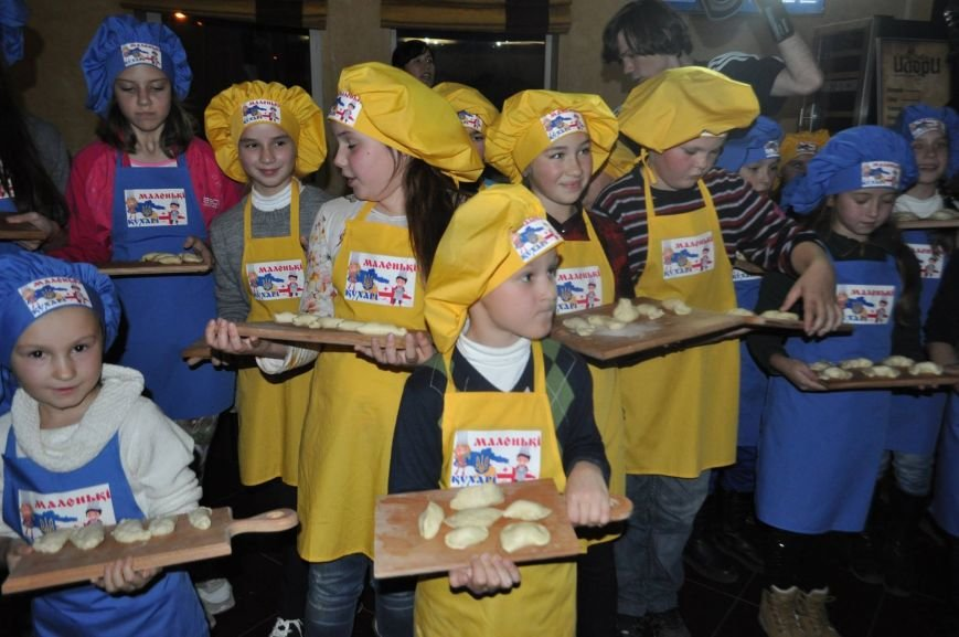 «Маленькі кухарі» Херсона оттачивали мастерство в лепке вареников (фото), фото-2