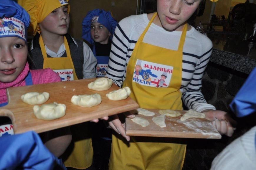 «Маленькі кухарі» Херсона оттачивали мастерство в лепке вареников (фото), фото-1