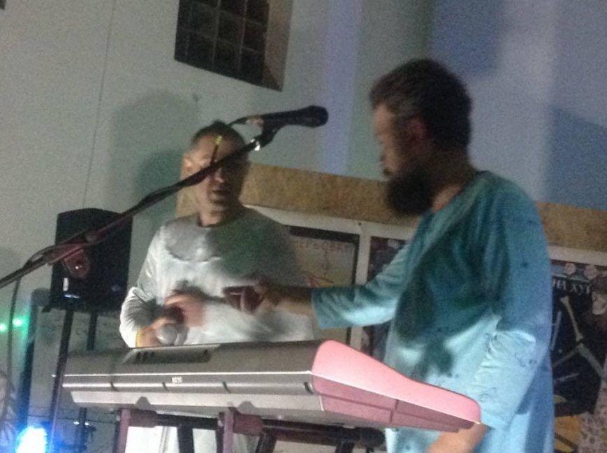 В Мариуполе  в ночь  Всех святых выступила группа, расширяющая границы свободы (ФОТО, ВИДЕО), фото-3