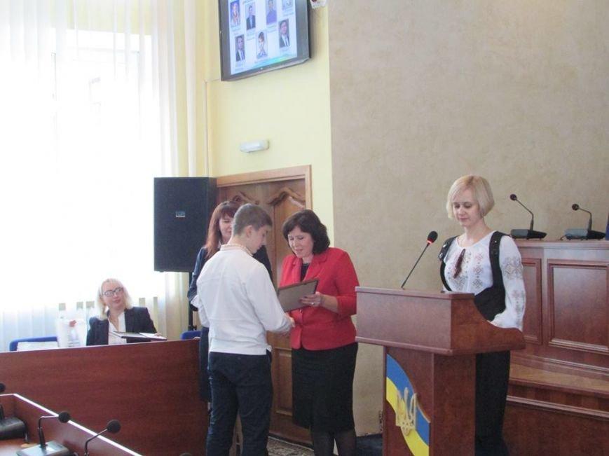 У Новограді-Волинського відбулося урочисте вручення дипломів стипендіатам міського голови, фото-2