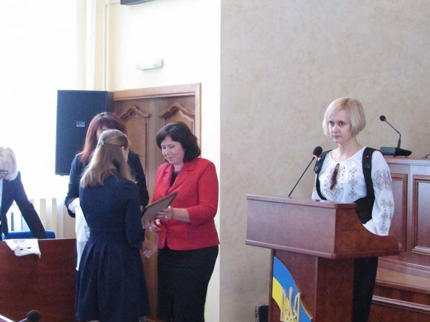 У Новограді-Волинського відбулося урочисте вручення дипломів стипендіатам міського голови, фото-3