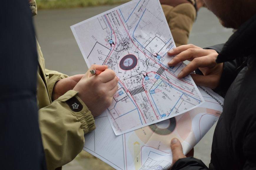 На Хоткевича облаштовують кільцеву розв'язку (ФОТО), фото-3
