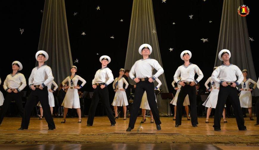 Ансамбль «Донбасс» на енакиевской сцене, фото-1