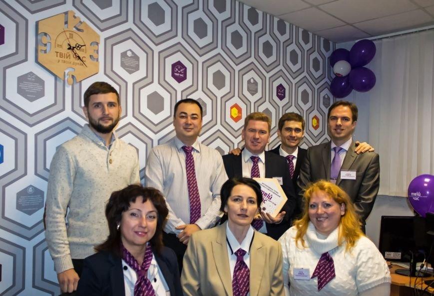 В Мариуполе открылся магазин электронных услуг «Твій час», фото-3