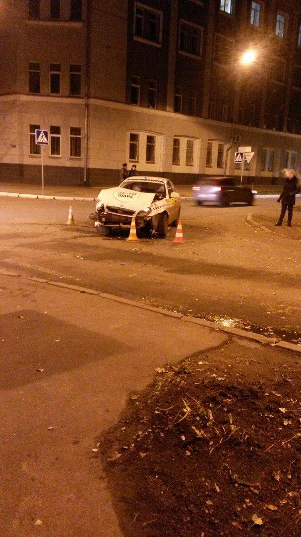 ДТП в центре Харькова: есть пострадавшие (ФОТО), фото-2