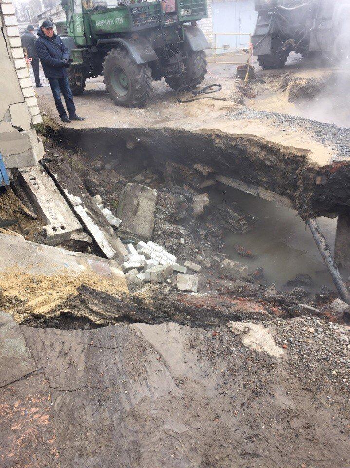 На Одесской прорвало теплопровод: два района остались без отопления (ФОТО), фото-2