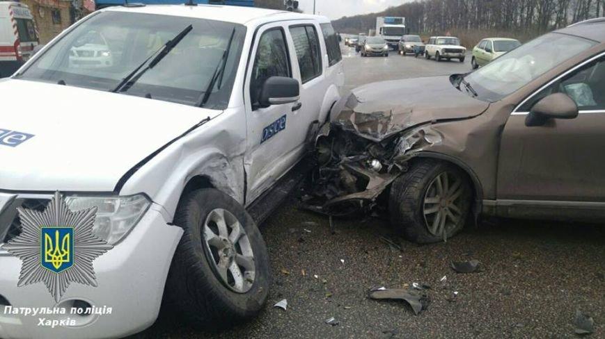 В Харькове машина ОБСЕ попала в ДТП: есть пострадавшие (ФОТО), фото-2