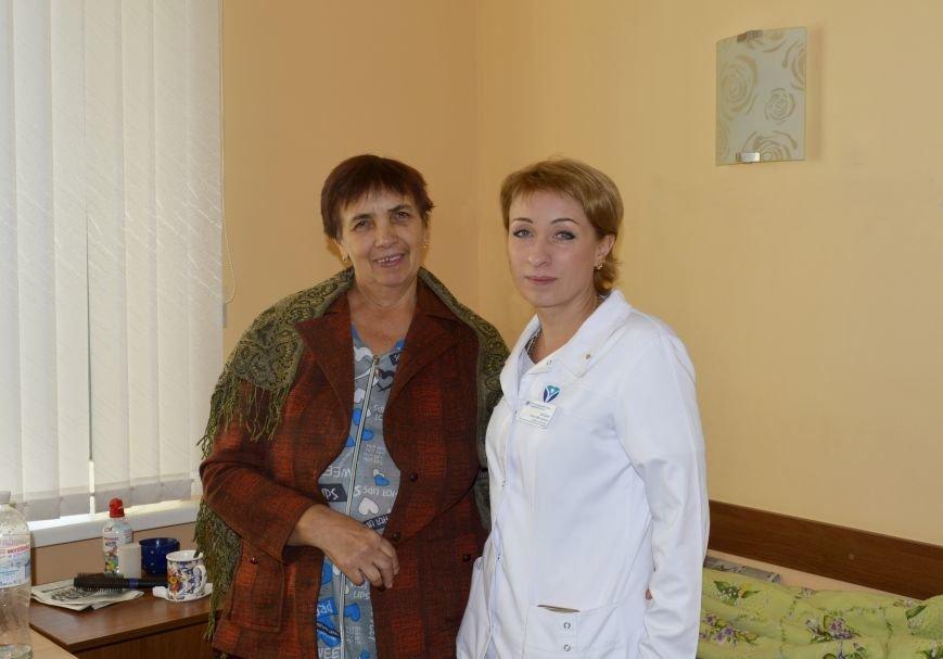 Пациенка с Ольгой Богдан, заведующей отделением травматологии ЗОКБ
