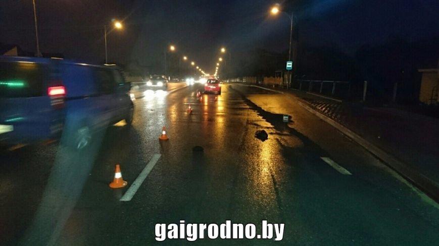 """В Лиде водитель на """"зебре"""" тормозил перед одним человеком, а в итоге сбил другого: в больницу попала пенсионерка, фото-5"""