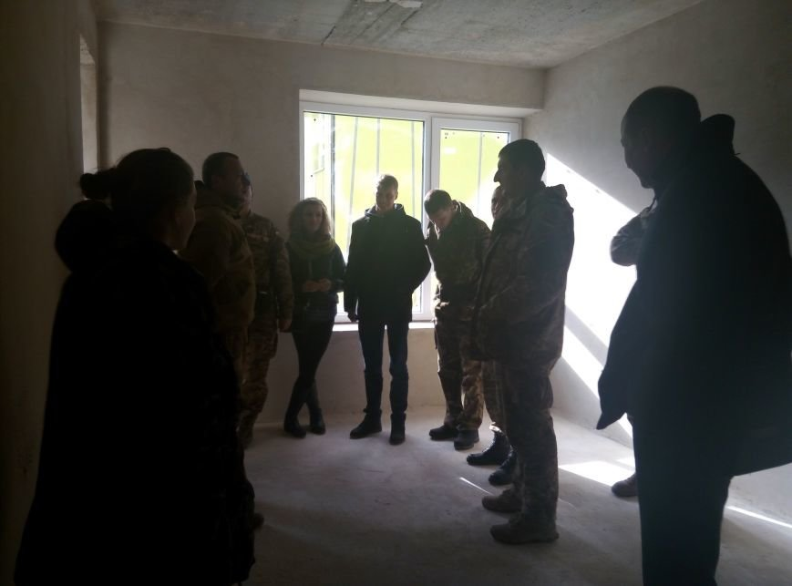 У Франківську бійці АТО отримали квартири у новобудові. Першими у гості завітали журналісти (ФОТО+ВІДЕО), фото-12