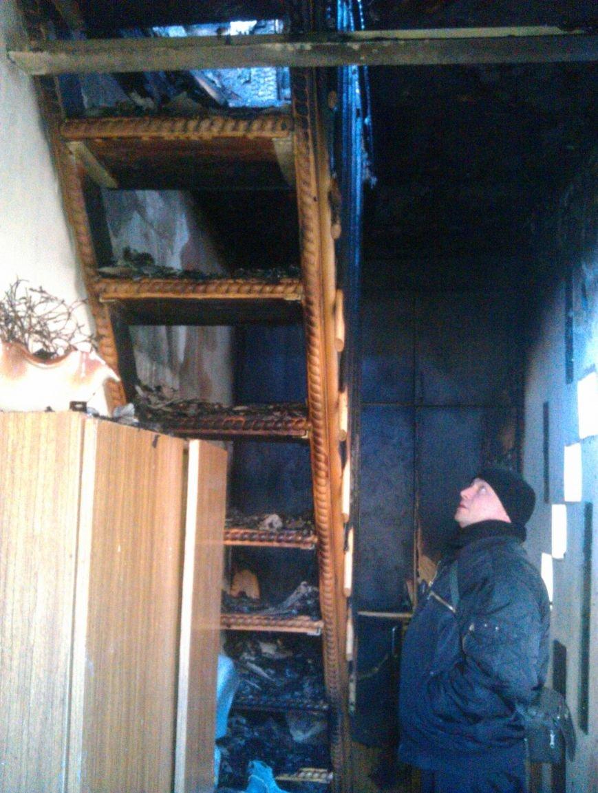 Погорелица с улицы Попова просит мариупольцев помочь хоть старой мебелью (ФОТО), фото-7