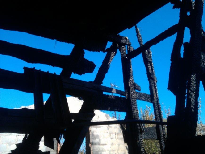 Погорелица с улицы Попова просит мариупольцев помочь хоть старой мебелью (ФОТО), фото-8